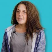 Lisa, (23) Ausbildung zur Altenpflegehelferin
