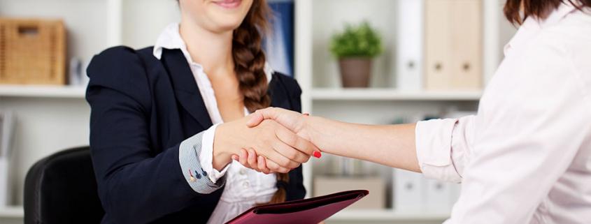 Handshake nach dem Bewerbungsgespräch